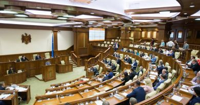 "Canceling Moldova CIP Now Would Mean ""€3-4 Million Fine"": Parliament Approves 4-Month Freeze in Dual Reading"